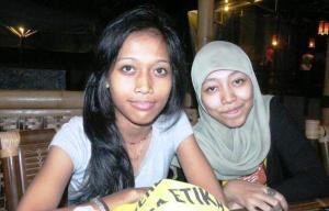 Dina dan Erin (alumni SDN Jatisampurna 06)