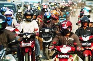 sepeda motor makin semrawut di Jakarta