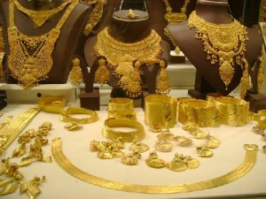 Tips Kaya dengan Emas
