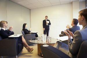 Etika dalam berbisnis harus diterapkan biar bisnis makin langgeng